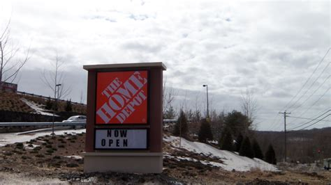 home depot trumbull ct hours