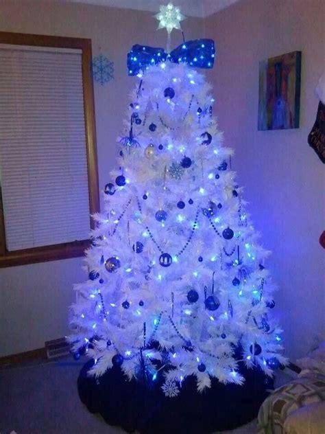 white tree i