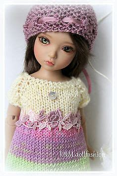 Boneka Sally With Toys lavender roses a knit embroidered dress hat set