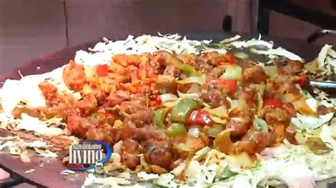 thanksgiving dinner at india oven woai