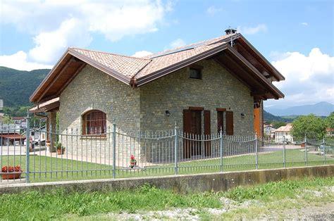 casa in pietra rivestimento casa in pietra naturale idee costruzione