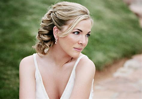 wedding hairstyles down short hair 35 adorable wedding hairstyles for short hair creativefan