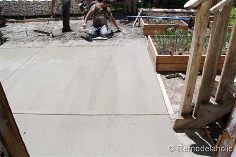 Diy Concrete L by How To Install A Diy Concrete Patio
