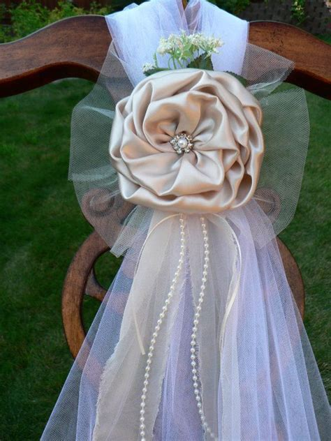 25  best ideas about Chair bows on Pinterest   Wedding