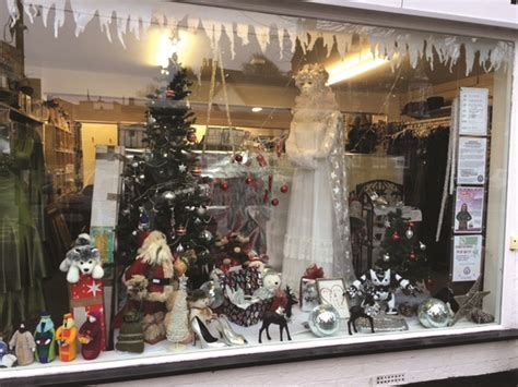 christmas window displays congratulated by high bailiff