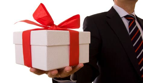 gifts for customers how to choose an ideal gift for business partner 1mhowto