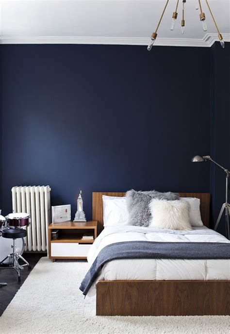 Navy And Gray Bedroom by How To Decorate Your Apartment With Navy Blue Stylecaster