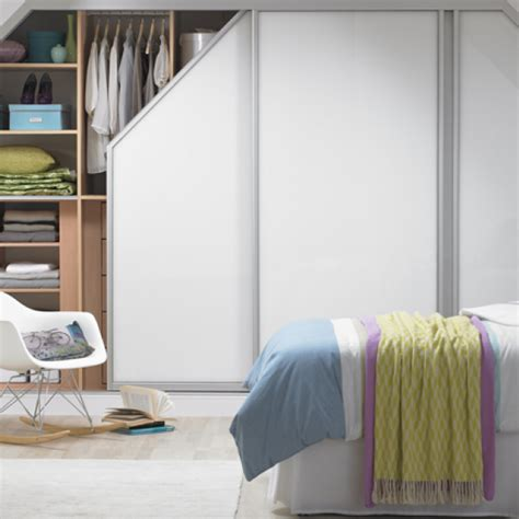 bedroom clutter solutions de clutter your bedroom for a clear mind reader s digest
