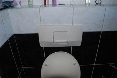 inbouwreservoir toilet stuk bedieningspaneel toilet vervangen over sanitair