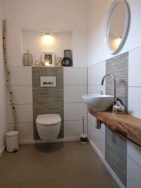 badezimmer das ideen vor und nachher umgestaltet f 252 r g 228 ste eichenbohlen verfugen und aufsatzwaschbecken
