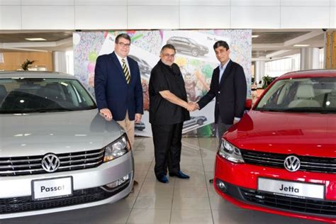 volkswagen dubai al nabooda automobiles and thrifty uae sign landmark deal