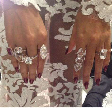 beyonc 233 wears 10 million worth of diamonds jewelry at