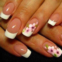 fiori in francese il chiodo disegna una manicure francese con i fiori