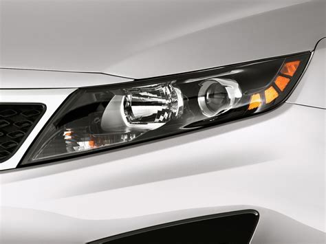 Kia Headlight Image 2011 Kia Optima 4 Door Sedan 2 4l Auto Lx Headlight
