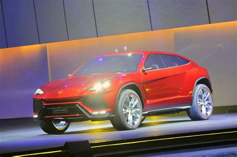 Lamborghini Urus For Sale Lamborghini Urus Might Gain A Sv Version Says
