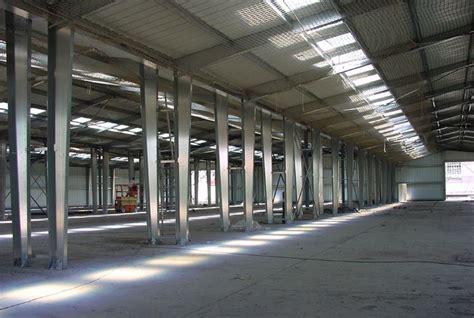 Fabricant Hangar Metallique by Fabrication De Hangar Industriel En Kit 224 Charpente M 233 Tallique