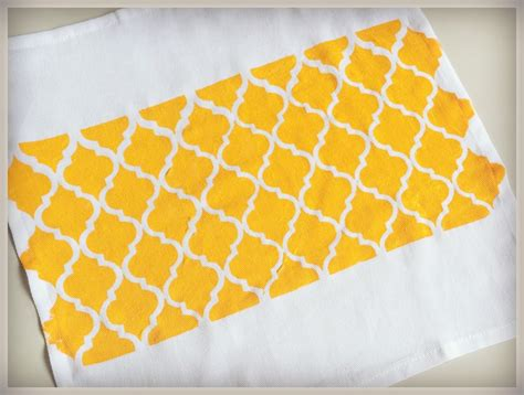 How To Make Stencil Paper - how to use freezer paper to make fabric stencil