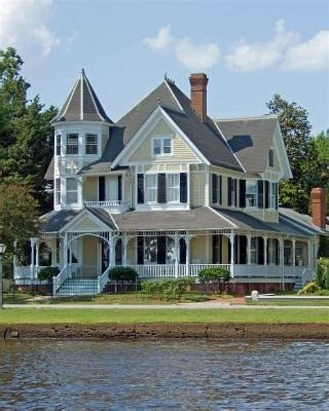 design your own victorian home 25 best ideas about old victorian homes on pinterest