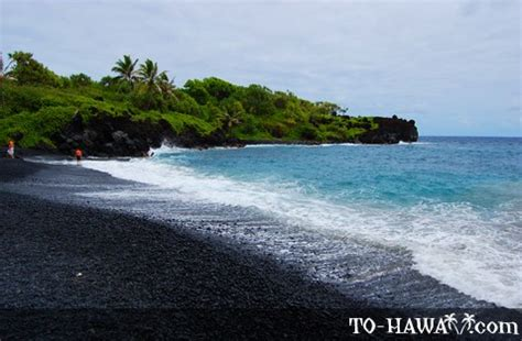 black beaches waianapanapa black sand beach maui