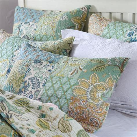 Patchwork Bedspreads King Size - floral cotton patchwork bedspread quilted coverlet