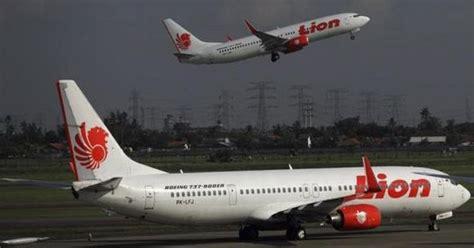 Airplane Pesawat Wallpaper Surabaya insiden air di surabaya ini bahayanya jika pesawat tabrak burung okezone news