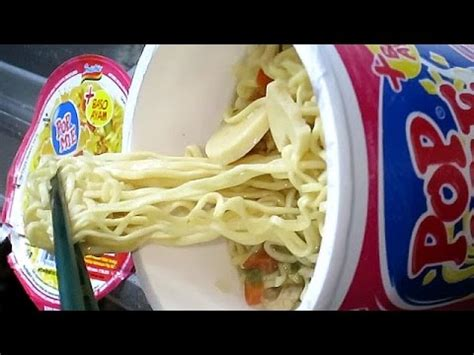 Sarimi Isi2 Goreng Ayam Kremes no 5427 popmie indonesia mi goreng rasa sosis bakar