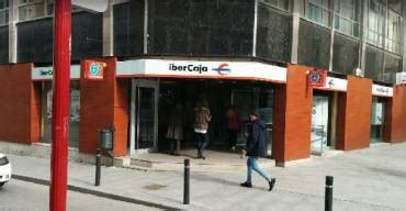oficina ibercaja ibercaja despedir 225 a 686 empleados en los dos pr 243 ximos
