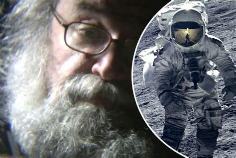 moon stanley moon landings shows stanley kubrick admitting he