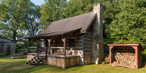 Log Cabin Homes In Tennessee by This Tennessee Log Cabin Has The Most Delightful
