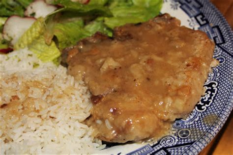 country style pork chops recipe south dish country style pork chops in gravy