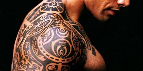 fiori tatuati sul braccio tatuaggi tribali i pi 249 belli e il loro significato