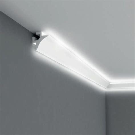 led beleuchtung wohnzimmer die besten 17 ideen zu stuckleisten auf