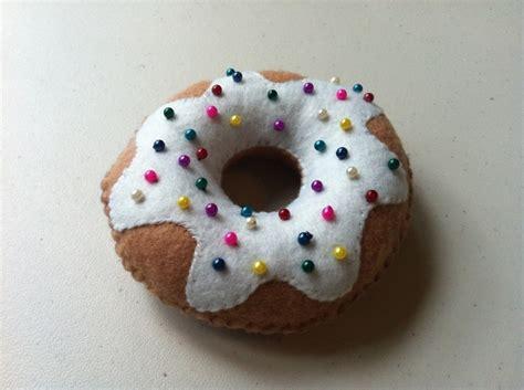 twizzle on pinterest 43 pins felt donut pin cushion pincushions pinterest