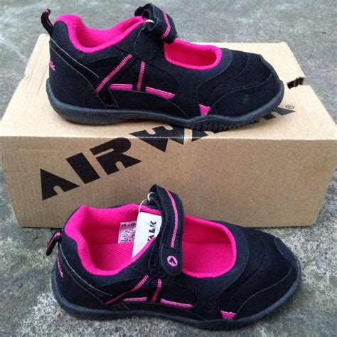 Sepatu Kets All terjual sepatu futsal kets anak adidas nike all original
