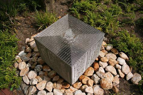 Gartenbrunnen Stein Modern by Moderne Gartenbrunnen Gartenbrunnen