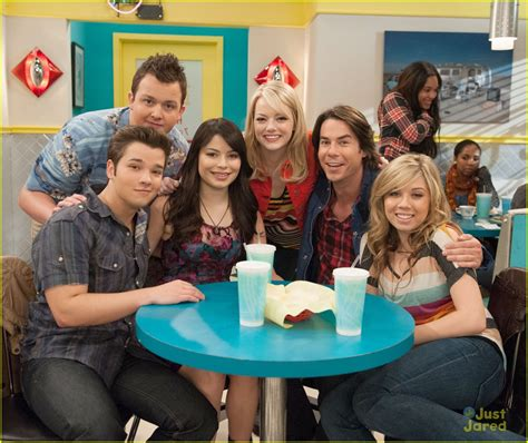 emma stone icarly emma stone on icarly first look photo 502401