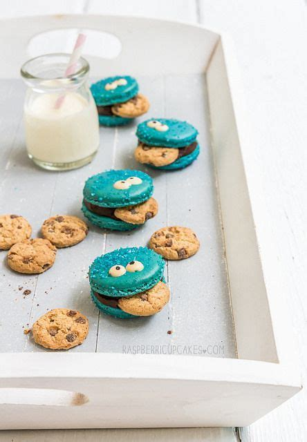 cupcakes cookies macarons cookie monster macarons raspberri cupcakessource for the kids cookie monster