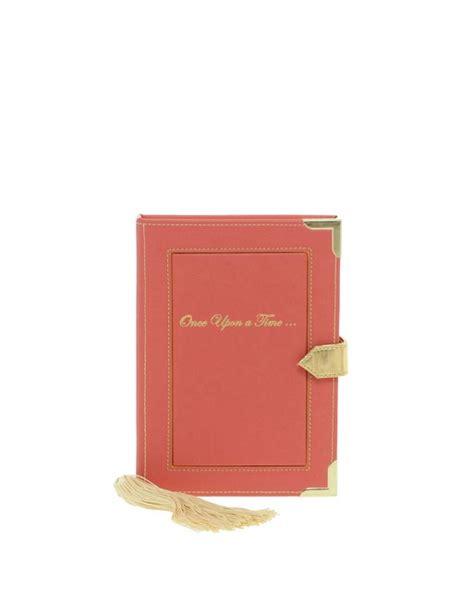 libro formas de volver a asos clutch en forma de libro con esquinas met 225 licas de asos
