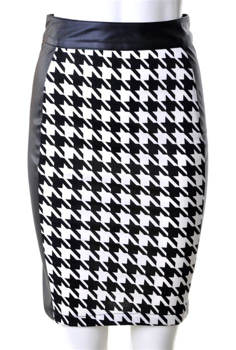 Black And White Pattern Skirt Outfit | pencil skirt outfits tumblr and crop top dress pattern