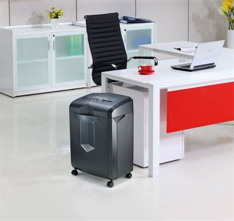 best review top 10 crosscut shredders for your home best cross cut paper shredders reviews a listly list