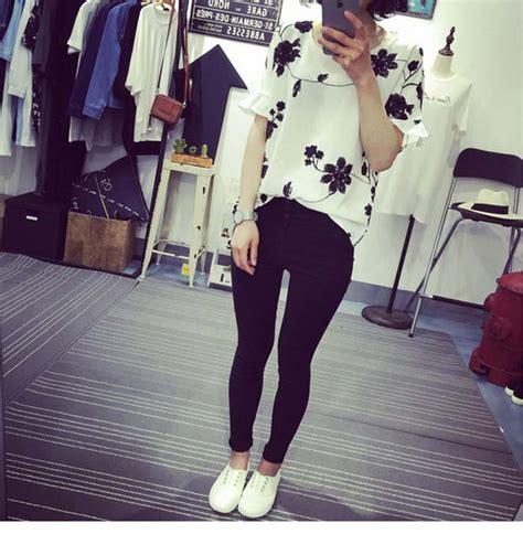 Blouse Bunga Hitam blouse wanita motif bunga putih hitam myrosefashion
