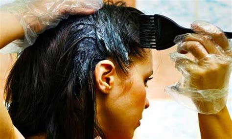 Hair Dryer Yang Aman Untuk Rambut 15 cara mewarnai rambut sendiri secara alami gayarambut
