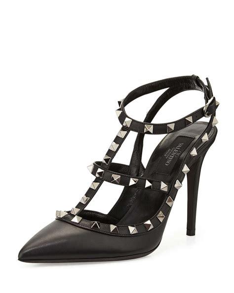 valentino rockstud leather t pumps in black lyst