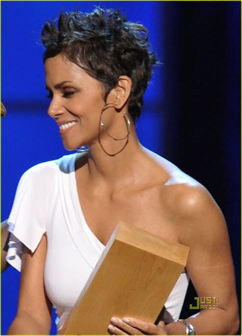 halle berry pixie side view 276 best halle berry images on pinterest