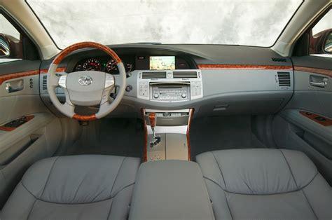 car engine manuals 2004 toyota avalon interior lighting 2005 10 toyota avalon consumer guide auto