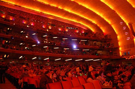 christmas spectacular at radio city music hall