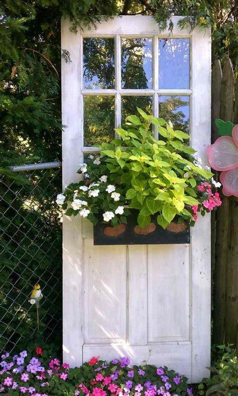 Backyard Door Ideas Les 25 Meilleures Id 233 Es Concernant Vieille Fen 234 Tre De D 233 Cor Sur Pinterest Encadrements De