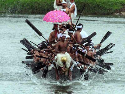 row the boat chant vallamkalli steer chant row the roles of the chundan