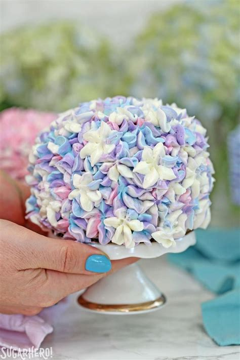 hydrangea cake hydrangea cakes gorgeous mini cakes that look like hydrangeas perfect for spring parties or