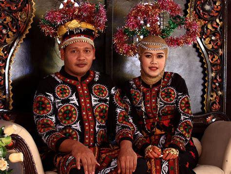 Baju Adat Gayo Aceh busana pengantin gayo gallery aceh